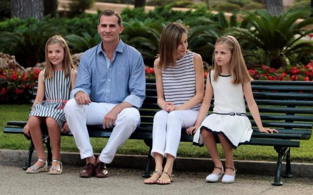 Felipe VI, irmão de Cristina, com a família