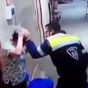 Paramédico agride enfermeira grávida na barriga