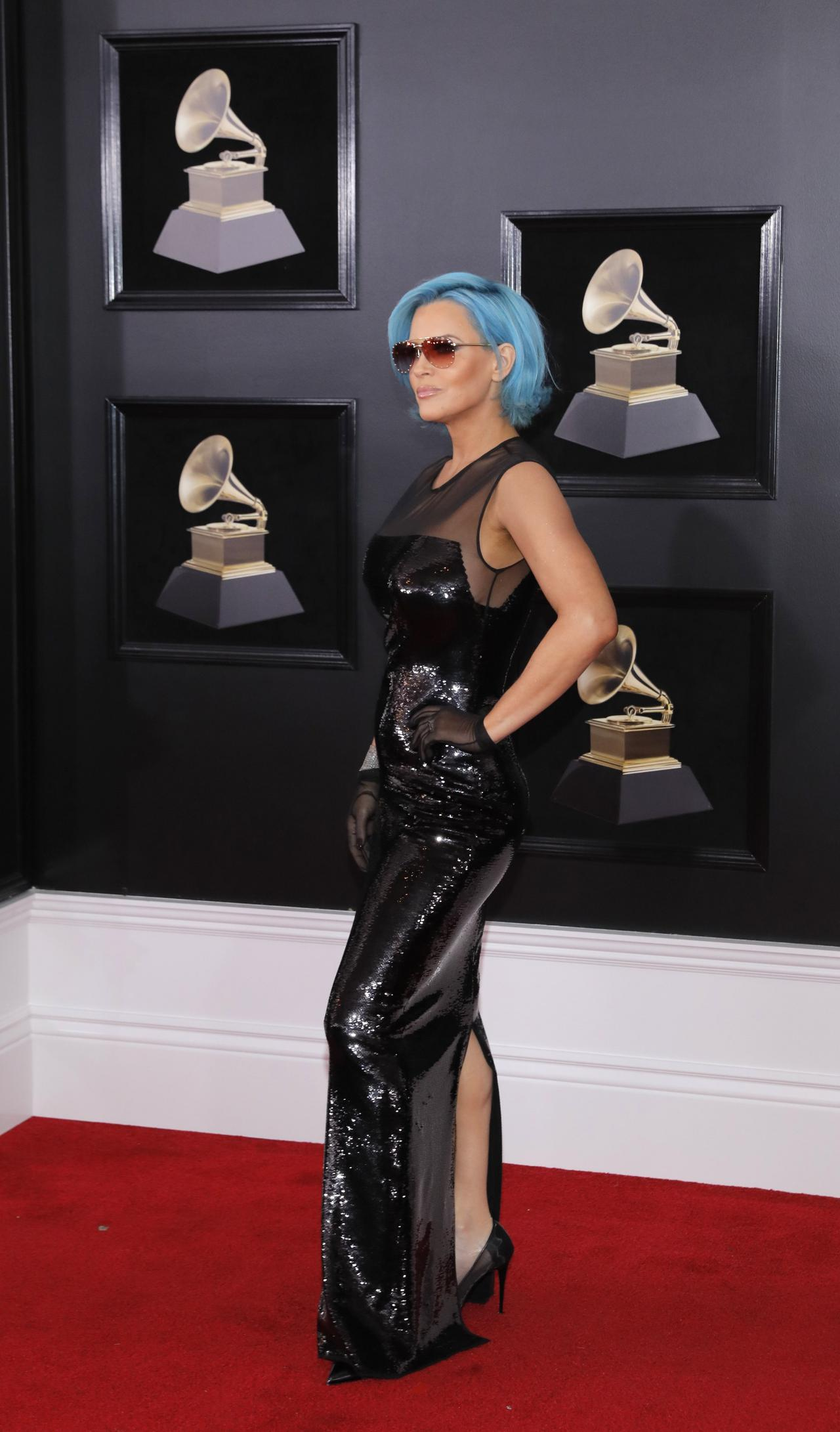 2018-01-28T232758Z_1106064187_HP1EE1S1T6LVU_RTRMADP_3_AWARDS-GRAMMYS_resized