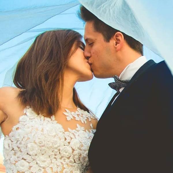 Honeymooners: Os noivos portugueses que estão a apaixonar o mundo