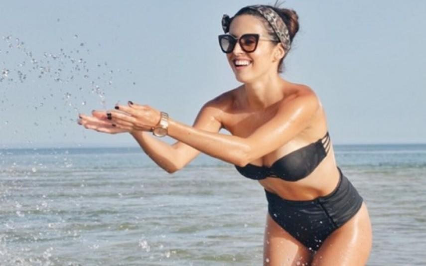 Carolina Loureiro, Ana Sofia Martins, Joana Duarte e Catarina Gouveia divertem-se (e aquecem as redes sociais) durante gravações de uma campanha publicitária na praia. Veja as fotos.