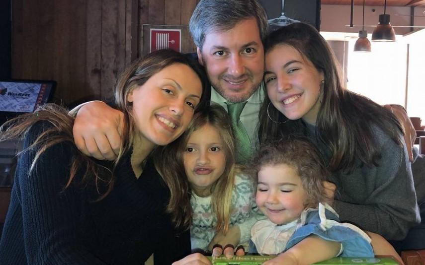 vip-pt-31088-noticia-sai-ao-pai-bruno-de-carvalho-mostra-rosto-da-filha-bebe