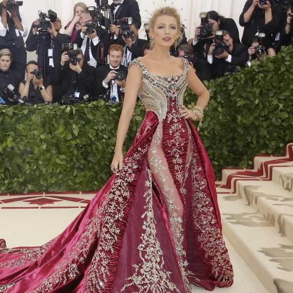 O vestido de Blake Lively que levou 600 horas a ser feito!