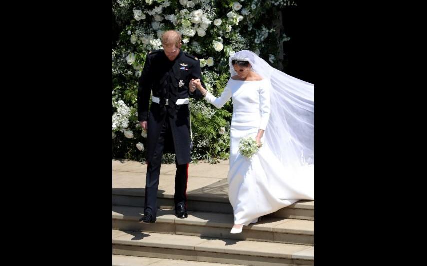vip-pt-32053-noticia-casamento-real-agora-ja-pode-comprar-um-vestido-como-o-de-meghan-por-apenas-53_0