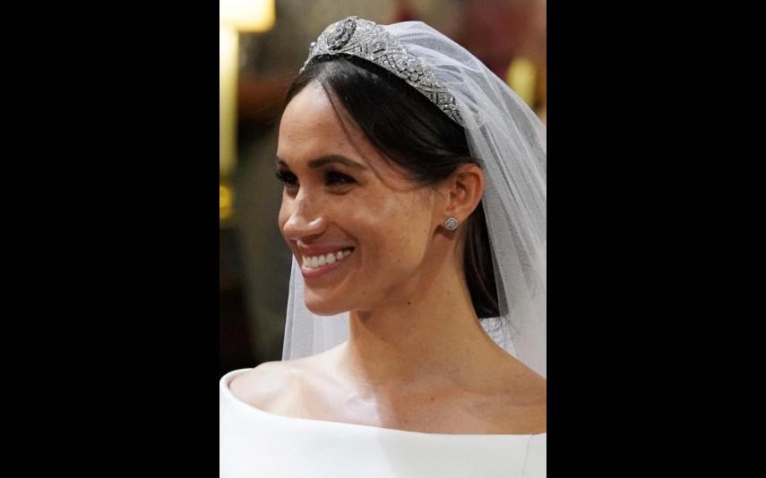 vip-pt-32053-noticia-casamento-real-agora-ja-pode-comprar-um-vestido-como-o-de-meghan-por-apenas-53_1