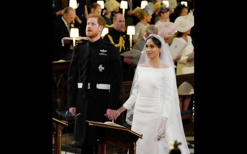 vip-pt-32053-noticia-casamento-real-agora-ja-pode-comprar-um-vestido-como-o-de-meghan-por-apenas-53_3