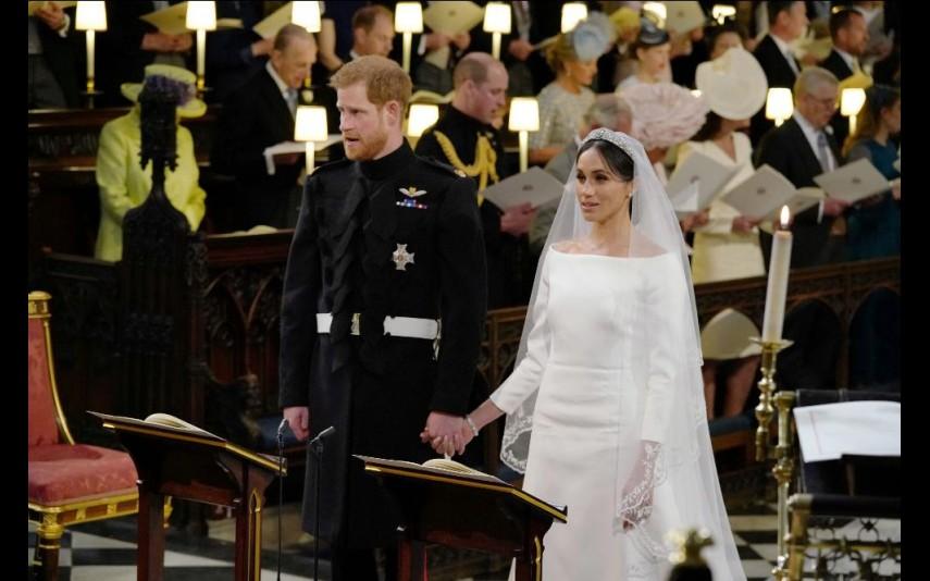 vip-pt-32053-noticia-casamento-real-agora-ja-pode-comprar-um-vestido-como-o-de-meghan-por-apenas-53_4