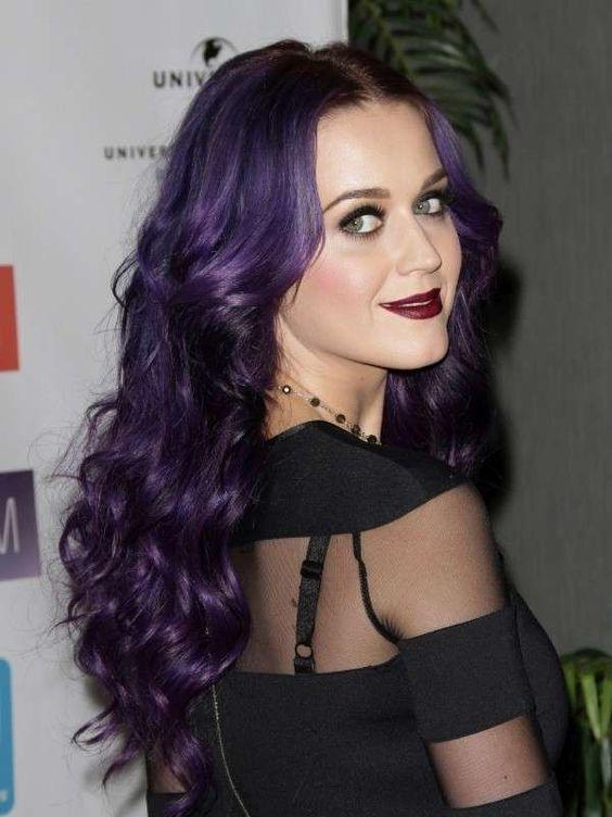 Katy Perry - Preto intenso1