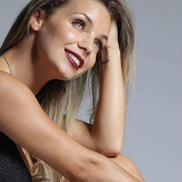 Luciana Abreu longe das filhas... para conquistar o Brasil: «Elas têm escola»