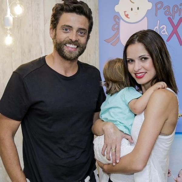 Vera Kolodzig e Diogo Amaral revelam imagens inéditas do nascimento do filho