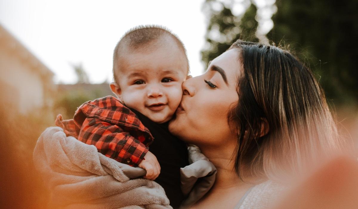 mulher e bebé