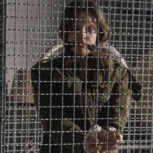 Alma e Coração: Leonor é presa numa cela com outras raparigas!