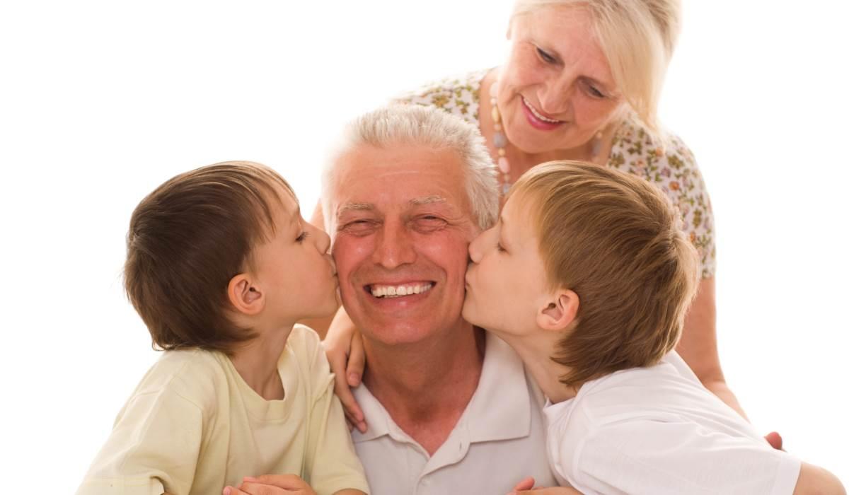 avós beijo
