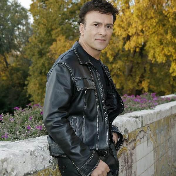 Tony Carreira reforça Quer o Destino e deixa Patrícia elouquecida. Cantor gravou na segunda-feira