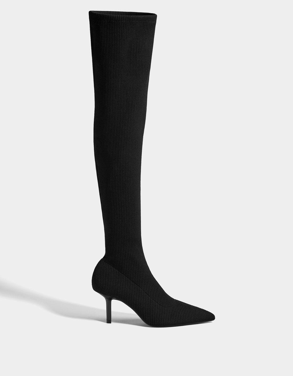 Botas tipo meia, Bershka, 39,99 euros