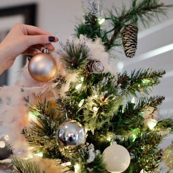 Segredos fundamentais para conseguir uma árvore de Natal perfeita!