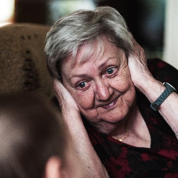 Avós: A dor que não sai do peito quando eles desaparecem