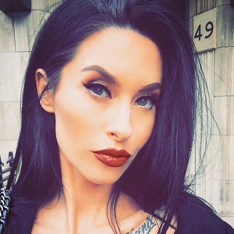 Jasmine Lennard4