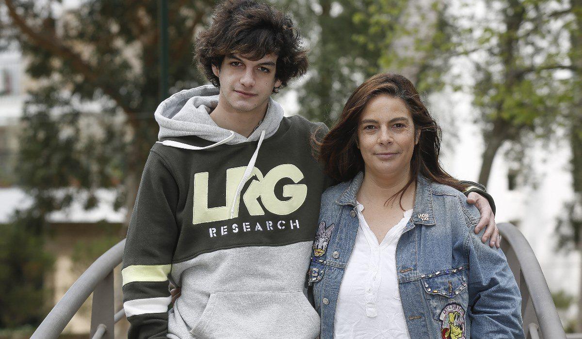 Mãe do ator Diogo Carmona em tribunal: «Dormi no carro com medo dele. Temi pela vida várias vezes»