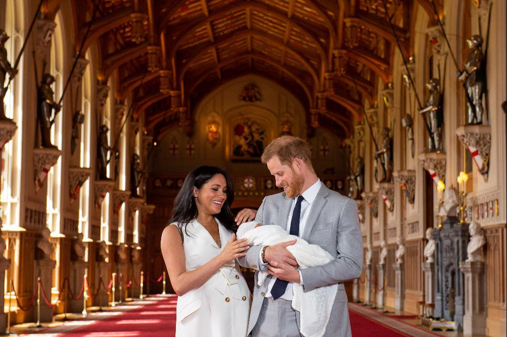 2019-05-08T114632Z_350736429_RC14AD534030_RTRMADP_3_BRITAIN-ROYALS-BABY_resized_resized
