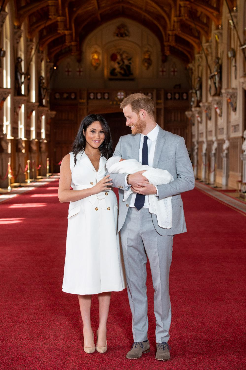 2019-05-08T114720Z_1021659878_RC1404DACA80_RTRMADP_3_BRITAIN-ROYALS-BABY_resized_resized