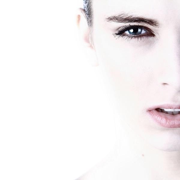 Seis erros de beleza da rotina diária que prejudicam a pele