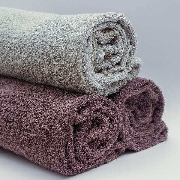 Sabe quantas vezes por semana deve trocar as toalhas de banho? Mais vezes, do que imagina!