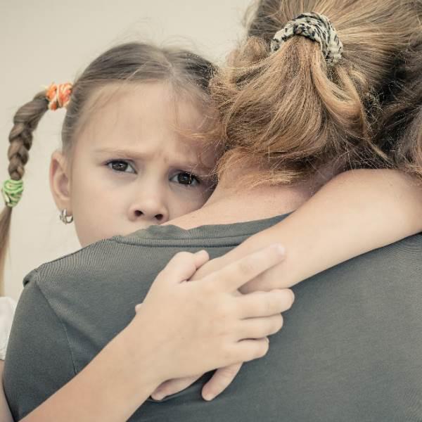 Abusos sexuais: Os comportamentos e os traumas comuns de uma criança abusada