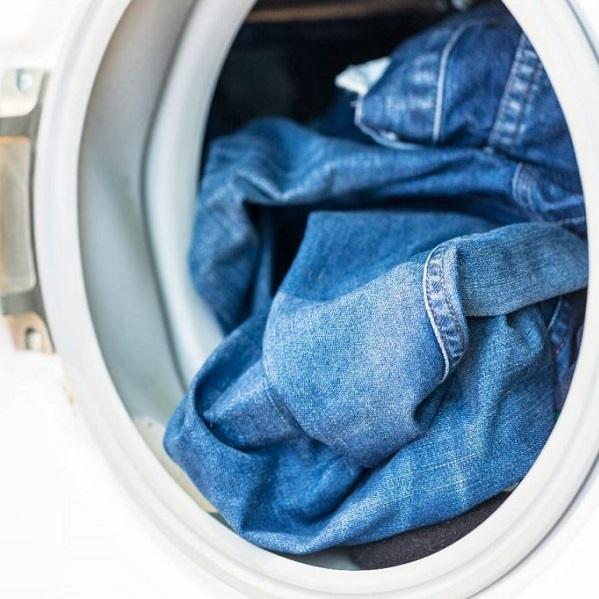 Quando é que devemos lavar os jeans? Saiba tudo!