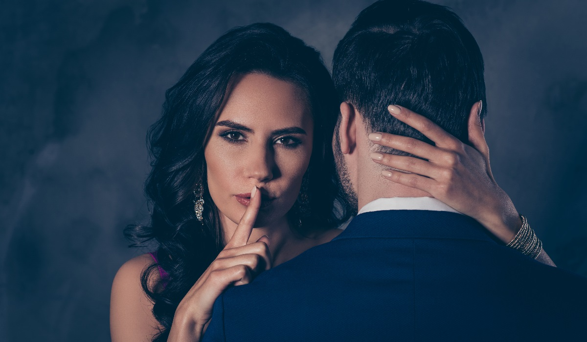 Sexo de olhos vendados… Guia para por esta fantasia em prática e ter mais prazer!