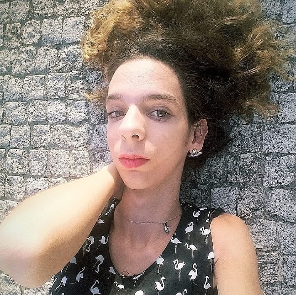 Alexa Dveni, transexual de Ídolos, volta a viver na rua: «Estamos passar fome e a dormir na rua»