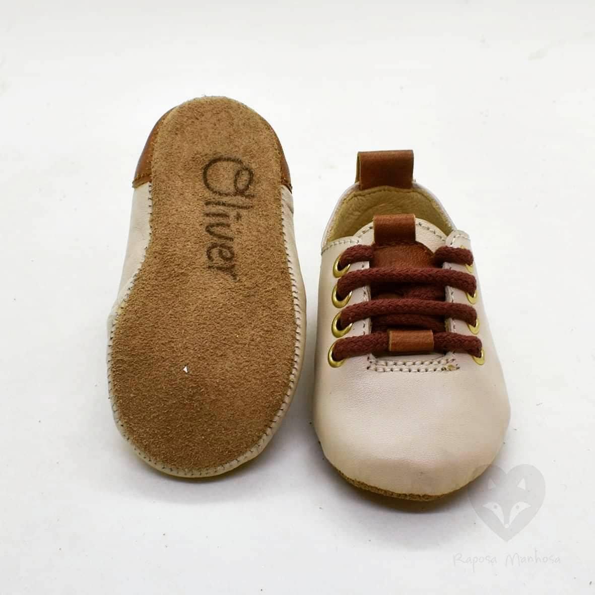 Os sapatos de Oliver, filho de Jessica Athayde