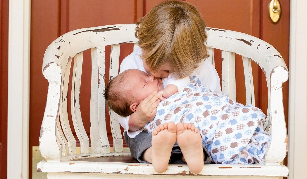 Cólicas no bebé: Saiba se a alimentação da mãe influencia na amamentação