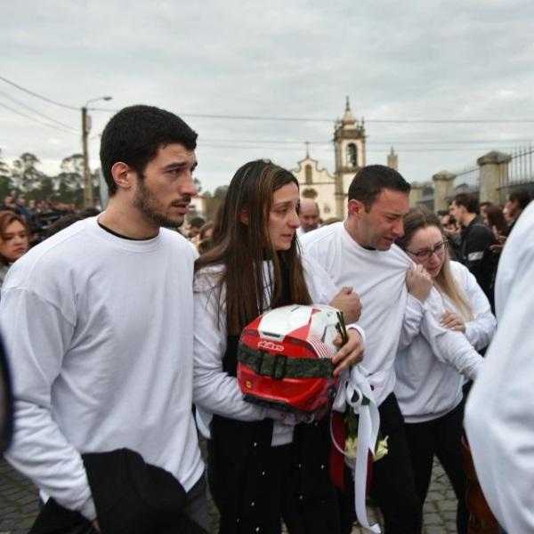 Lágrimas e dor no último adeus a Paulo Gonçalves | FOTOS