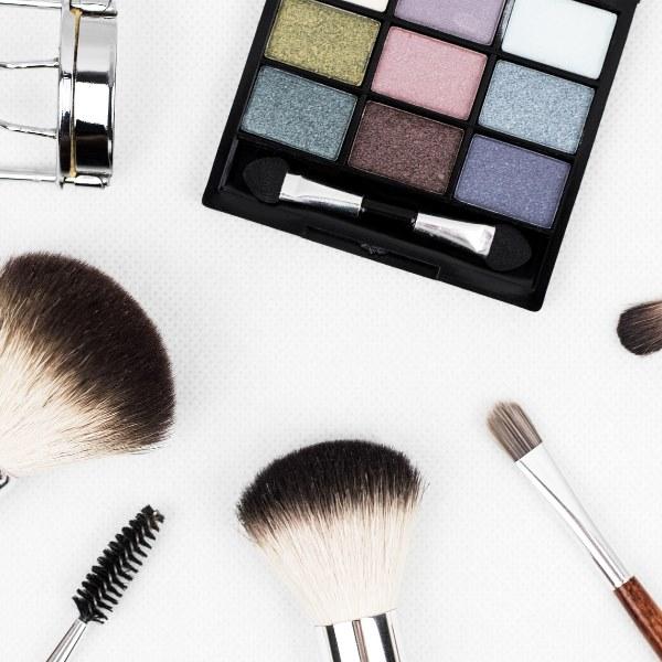 Saiba fazer uma make-up perfeita em apenas 10 minutos