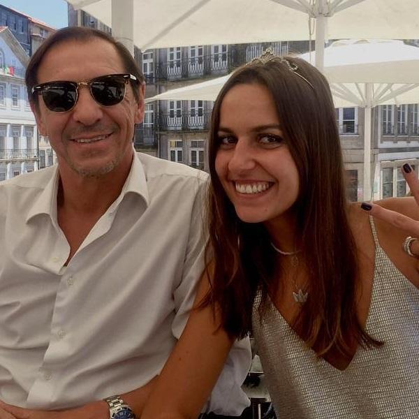 Funeral da filha de Fernando Gomes marcado por lágrimas e muita emoção