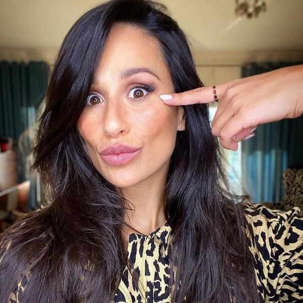 Rita Pereira faz tratamento para eliminar manchas na cara [vídeo]