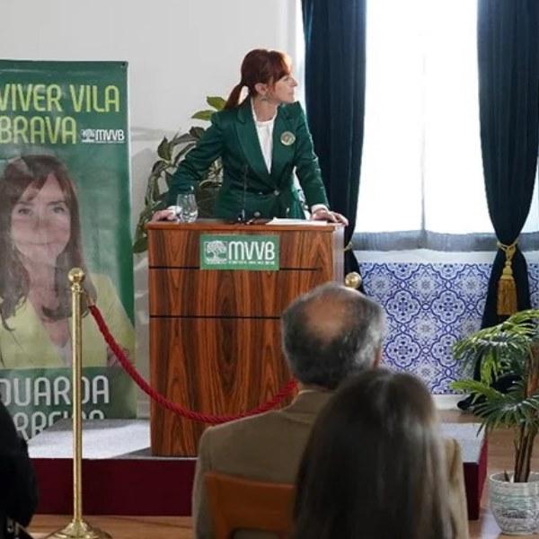 Terra Brava:Tomás ataca Eduarda e enxovalha-a em público durante debate político