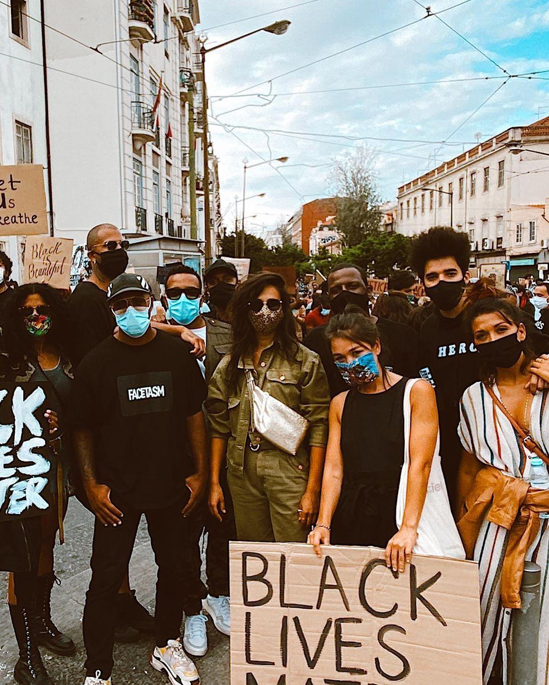 Manifestação racismo