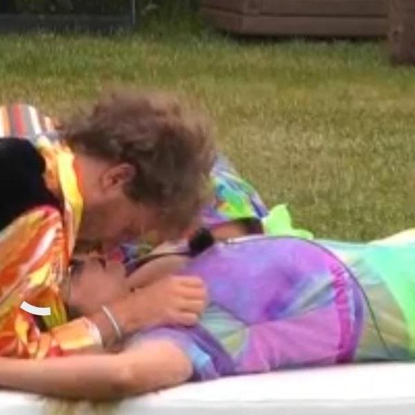 Big Brother: Diogo e Ana Catharina beijam-se e Teresa insulta Daniel Guerreiro