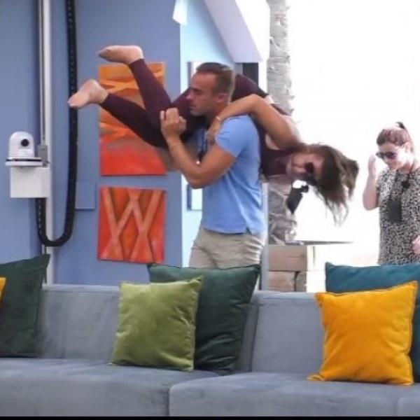 Brincadeira entre Daniel Guerreiro e Sandrina acaba em sangue! «Rebentei-lhe com o lábio»