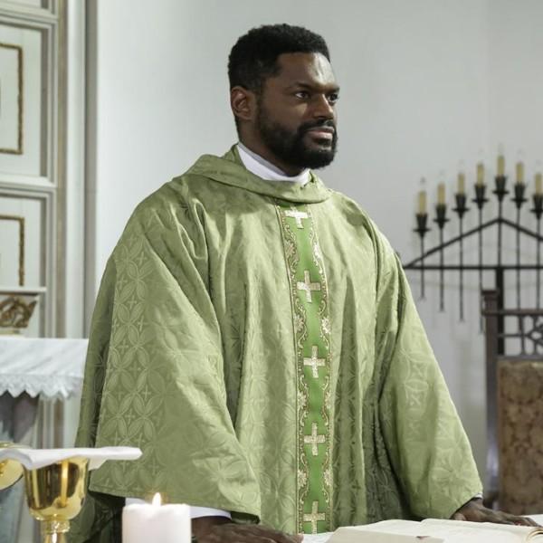 Terra Brava: Novo padre chega à vila e Prazeres vai fazer-lhe a vida negra!