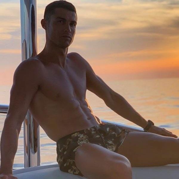 Ronaldo mergulha a 14 metros sem oxigénio e avisa para não o imitarem (vídeo)