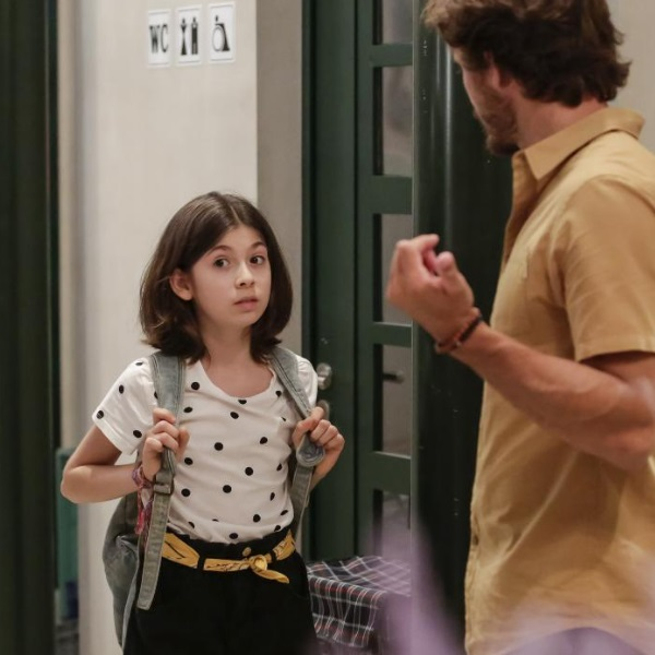 Nazaré: Alice é hipnotizada e começa a confiar cegamente em Rui