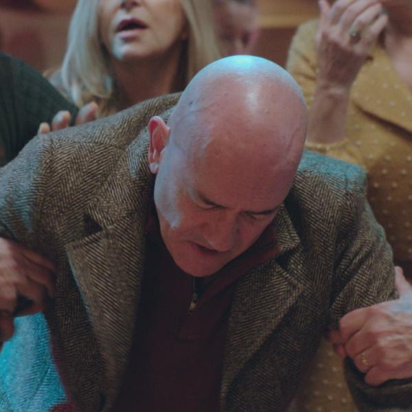 Golpe de Sorte: Zé Luís bebe demais e envolve-se à pancada com Pedro