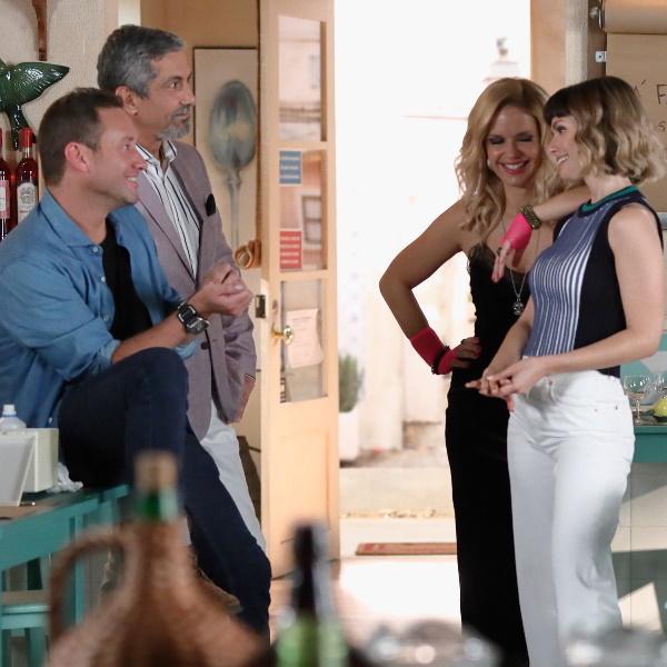 """""""Amar Demais"""": Eça apaixona-se por Rita depois dela o socorrer. Joana apanha Célia e Raul"""