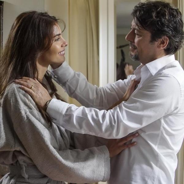 A Serra: Mariana descobre que o pai tem amante. Silvério perdoa Fátima na cama de hospital