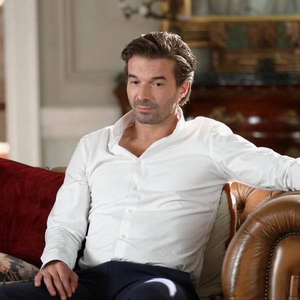 Amar Demais: Ema diz a Zeca que não sabe se ele é pai de Joana