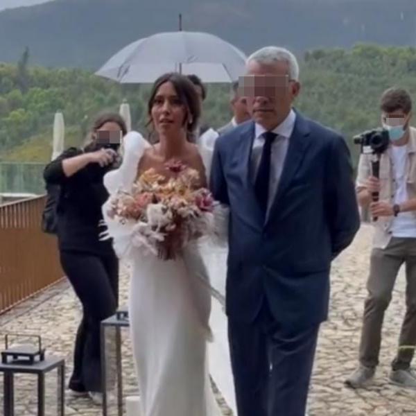 Anita Costa: Ex-namorada de Angélico Vieira casa-se com vestido de sereia - Vídeo