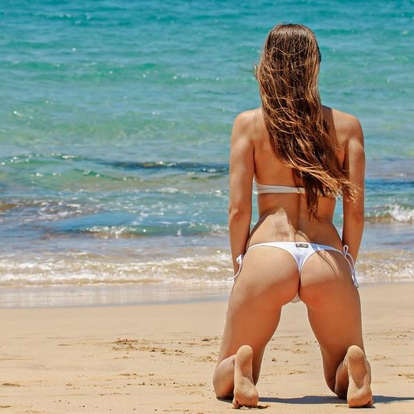 Bumbum sexy de A a Z. Guia com dicas para impressionar na praia